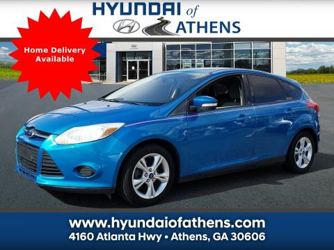 Pre-Owned 2013 Ford Focus SE FWD Hatchback